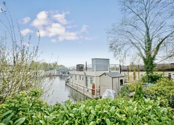 2 bed houseboat for sale in Banks End, Wyton, Cambridgeshire. PE28