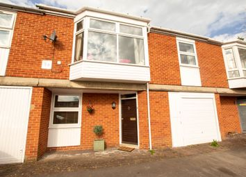 Thumbnail 3 bed mews house to rent in Paradise Road, Henley-On-Thames