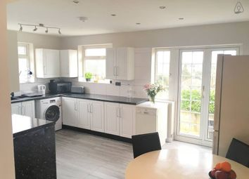 Thumbnail 6 bed terraced house to rent in Walcot Avenue, Luton