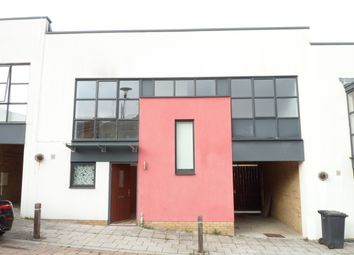 Thumbnail Terraced house to rent in Courtyard Mews, Greenhithe