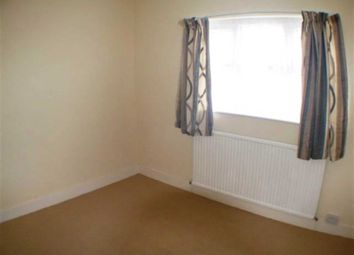 3 bed terraced house to rent in Shaftesbury Road, Reading RG30