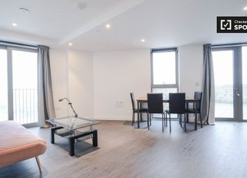 Thumbnail Studio to rent in Western Gateway, London
