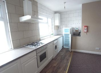 Thumbnail 2 bed flat to rent in Station Road, Horsforth, Leeds