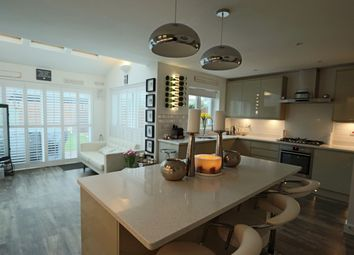 4 bed town house for sale in Daws Place, Redhill RH1