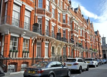 Thumbnail 10 bed property for sale in Green Street, London