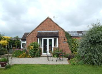 Thumbnail 3 bedroom detached house to rent in New Road, Sutton, Witney