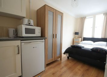 Thumbnail Room to rent in Portmeadow Walk, London