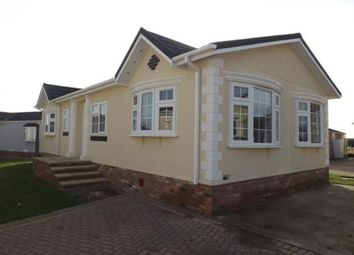 Thumbnail 2 bedroom mobile/park home for sale in Hayes Chase, Battlesbridge, Wickford