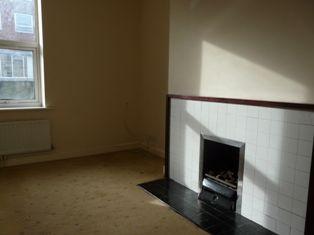 1 bed flat to rent in Victoria Road, Aldershot GU11