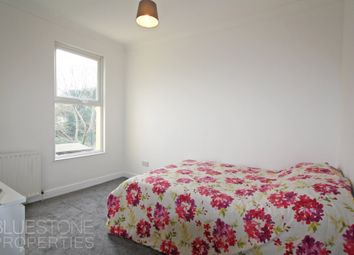 Room to rent in Elmers Road, Woodside, Croydon SE25
