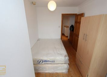 Thumbnail Room to rent in Midship Point, The Quarterdeck, South Quay, Crossharbour