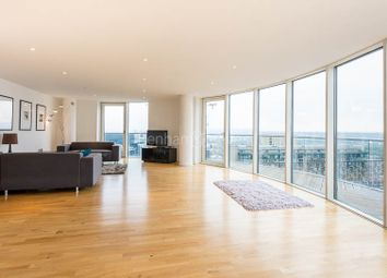 2 bed flat to rent in Millharbour, Canary Wharf E14