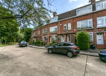 Thumbnail Flat to rent in Park Road, Banstead