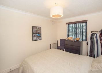 Thumbnail 1 bed flat to rent in Pincott Place, London