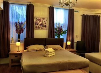 Thumbnail 2 bed flat to rent in Dean Street, London
