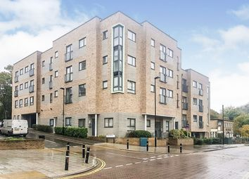 2 bed flat for sale in Hinkler Road, Southampton SO19