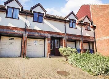 2 bed flat for sale in Regent Court, Broome Place, Aveley, South Ockendon RM15