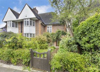 Thumbnail 4 bed property for sale in Corringham Road, Hampstead Garden Suburb