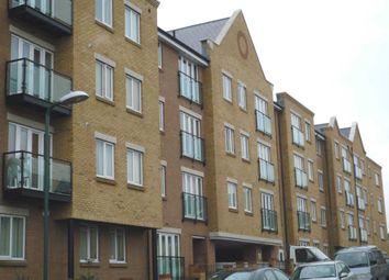2 bed flat to rent in Black Eagle Drive, Northfleet, Gravesend DA11