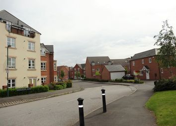 2 bed flat to rent in Middlewood Close, Solihull B91