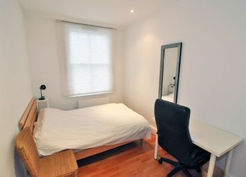 Thumbnail Room to rent in Loftus Road, Shepherds Bush, London