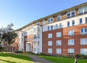 Thumbnail 2 bed flat to rent in Regency Court, South Woodford, London