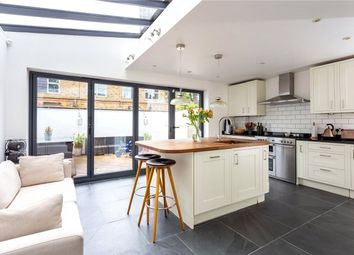 3 bed property for sale in Englefield Road, London N1