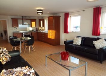 2 bed flat to rent in Bute Crescent, Cardiff CF10