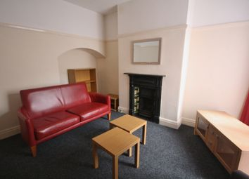 Thumbnail 5 bed town house to rent in Glenfield Road, Leicester LE3, Near Dmu