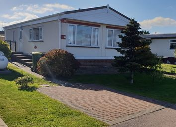 Thumbnail 2 bed mobile/park home for sale in Tower Park, Hullbridge, Hockley