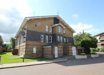 Thumbnail 2 bedroom flat for sale in Leabank Square, London