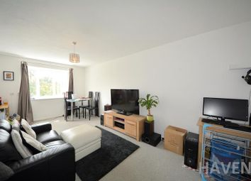 Thumbnail 2 bedroom flat to rent in Deanery Close, East Finchley, London