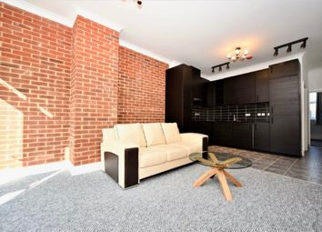 Thumbnail 1 bed flat to rent in Regents Park Road, Finchley Central, London