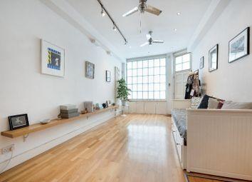 Thumbnail 2 bed property to rent in Triangle Estate, Kennington Lane, London