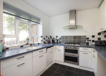 3 bed property for sale in Sarsfeld Road, London SW12