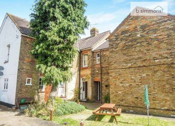 1 bed flat for sale in Park Street, Colnbrook, Slough SL3