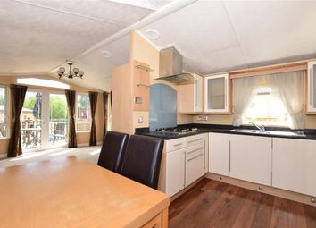 Thumbnail 2 bedroom mobile/park home for sale in Plaxdale Green Road, Stansted, Sevenoaks, Kent