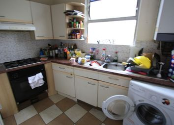 Thumbnail 1 bed flat to rent in Lavender Hill, Clapham