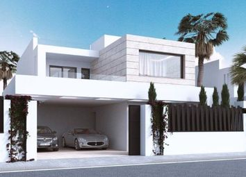 Thumbnail Detached house for sale in Puente Romano, Golden Mile, Málaga, Andalusia, Spain