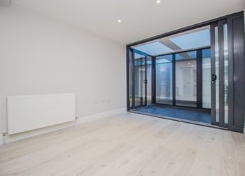 Thumbnail 2 bedroom flat to rent in Bridge Road, East Molesey