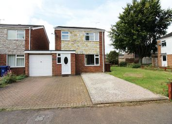 Thumbnail 3 bed detached house to rent in Chatsworth Drive, Banbury