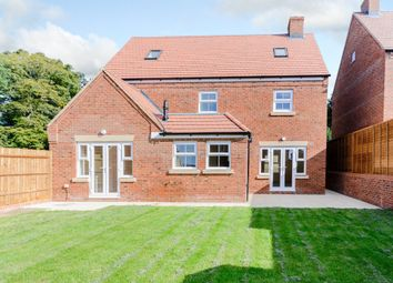 Thumbnail 5 bed detached house to rent in Shearwater Road, Apsley, Hemel Hempstead, Hertfordshire