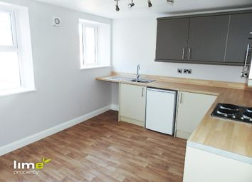 2 bed flat to rent in Story Street, Hull HU1