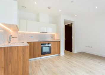 Thumbnail 1 bed flat to rent in Perilla House, 1 Chaucer Gardens, London