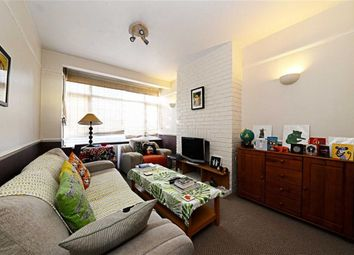 Thumbnail 2 bedroom flat for sale in Bow Lane, North Finchley, London