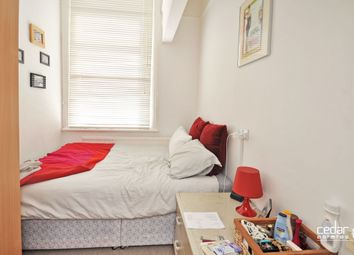Thumbnail 2 bedroom flat to rent in Cavendish Road, Kilburn