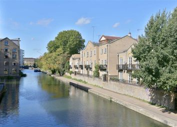 Thumbnail 1 bed flat to rent in Thornhill Bridge Wharf, Caledonian Road, London