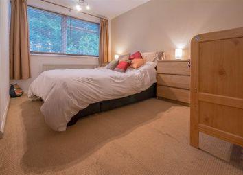 Thumbnail 2 bedroom maisonette for sale in Brookside, Hertford