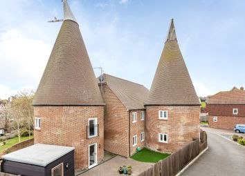 Darcy Court, East Malling ME19. 2 bed flat for sale