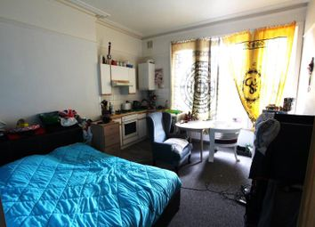 Thumbnail Studio to rent in Flat 2, 176 Old Christchurch Road